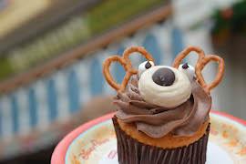 Disney reindeer cupcake.